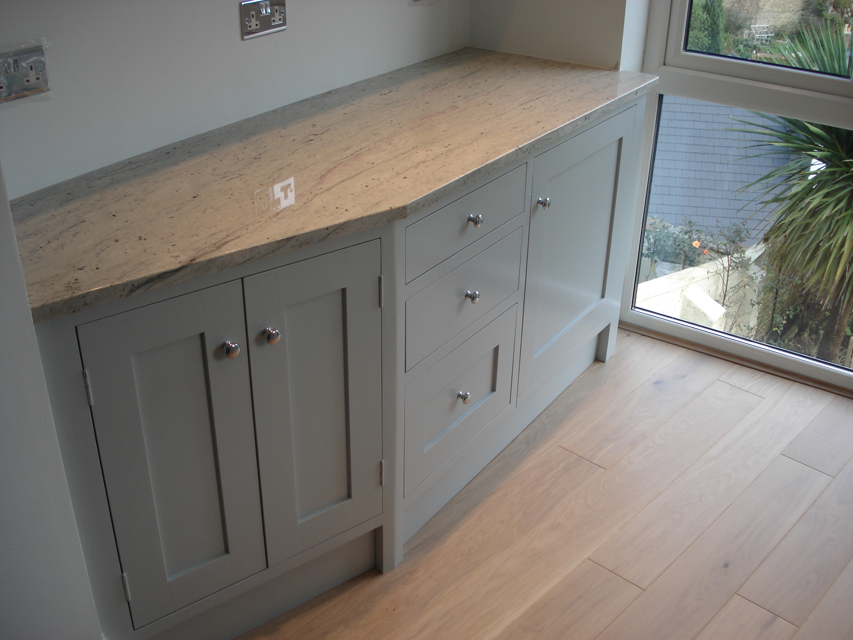 Farrow And Ball Kitchen Arnolds Kitchens Bespoke Hand Built Kitchens Concrete Worktops
